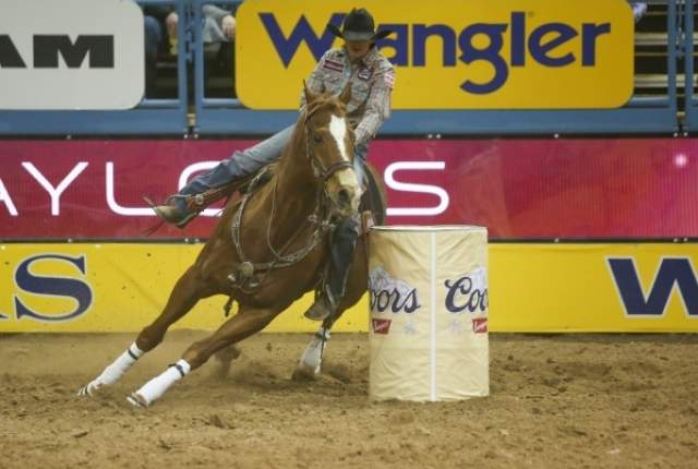 NFR  Live 2016 Barrel racing