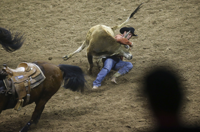 steer-wrestling_nfr-live-streaming